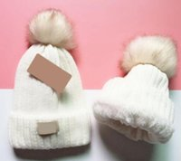 Wholesale Beanie New Winter Caps Knitted Hats Hip Hop Men gorro Bonnet Women Beanies Fur Pompoms Warm Skull Cap snapback S7532