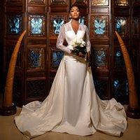 Graceful Lace Mermaid Wedding Dresses With Detachable Train Bridal Gowns Long Sleeves V Neck Plus Size Trumpet Satin robe de mariée