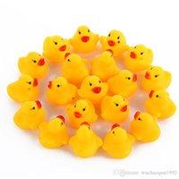 Целые выливающие enfants Мини резиновая утка ванна утка ПВХ со звуком плавающая утка детская ванна вода игрушка плавательный пляжный подарок для детей игрушек