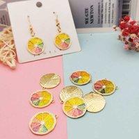 Pezzi di limone colorati, perline, gioielli, pendente in metallo smalto, orecchini, bracciali galleggianti, 10 pezzi. J0527.