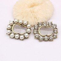 Donne Designer Designer Doppia Brand Doppia G Lettera Spilla perla Rhinestone Spille di cristallo Spille di metallo Vestita Laple Pin Moda Gioielli Accessori Regali
