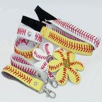 Softball / Baseball 4 kits de couro festa de couro presente um conjunto = 1 pc keychain + 1 pc pulseira + 1 pc headband + 1 pc arco de cabelo = 4 pcs combinação gwb9452