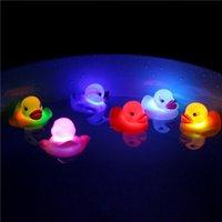 Mini patos piscando led brinquedos iluminados bebê banho brinquedo brinquedo crianças banheira luminosa pato flutuante