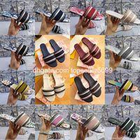 Designer di lusso Sandali in pelle Sandali in pelle Summer Shoes Fashion Beach Big Big Rainbow Letter Pantofole