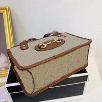 Designer kosmetisk väska kvinnor handväskor äkta läder kanfas material handväska högkvalitativa brev dekoration kvinna söt unik gåva