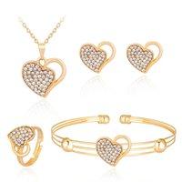 Set de bijoux Crystal Crystal de luxe pour femmes Mariage Gold Love Shape Pendentif Collier Collier Collier Boucles d'oreilles Bagues Bagues Bouffre Bracelet Bracelet 2947 Q2