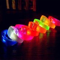 LED 장난감 빛나는 팔찌 파티 용품 7 색 음성 제어 깜박이 손목 밴드 음악 활성화 된 야간 가벼운 클럽 활동