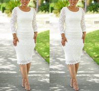 Elegant Long Sleeves Lace Mother of The Bride Dresses Knee Length Sheath Short Evening Dress Scoop Neck Formal Occasion Wear Plus Size