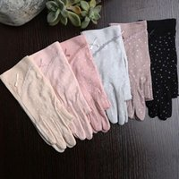 Five Fingers Gloves 1 Pairs Breathable Mittens Women Anti-UV Anti-Slip Cotton Stretch Driving Bow Lace Fingerless