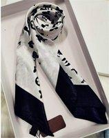 2021 Sciarpa classica Sciarpa stampata Alfabeto Sciarpe di lusso Silk Twill Sciarpe quadrata per signore 70 * 70cm
