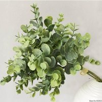 Couronnes de fleurs décoratives 6 pcs Eucalyptus Plastique Feuilles artificielles Bouquet pour la décoration de mariage de Noël à la maison Petite fausse FWD7138