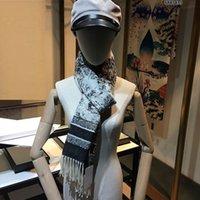 الكشمير المرأة الفاخرة وشاح امرأة مطبوعة التطريز 3style مصمم شالات الشتاء طباعة ساتان مربع رئيس السيدات والأوشحة حجم كبير 180 * 70 سم