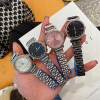 32mm Lusurys Designer Designer orologi Cap Womens Guarda la moda Korean Simple Digital Lega Digital Wish Star Orologi da donna GHF