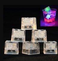 Aoto 색상 미니 낭만적 인 큐브 LED 인공 아이스 큐브 플래시 LED 라이트 웨딩 크리스마스 파티 장식 DFF1881