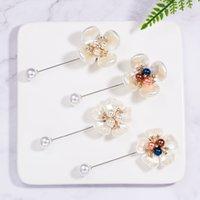 Nuovo arrivo perla smalto camellia spille per donne elegante fiore corsage lunghi pin di gioielli di moda gioielli moda cappotto accessoriDio Chan Contac