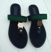 2021 Мода Бренд Wonen Sandals Большой размер 35-42 Флиппы Красные Сандалии с резиновой подошвой с резиновым ремешком Женщины Тапочки Ateheq