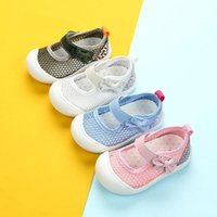الصيف طفل الفتيات عارضة الأحذية الرضع لينة وحيد مضاد للانزلاق حذاء طفل الأميرة الجوف خارج شبكة تنفس 0-1-3 سنة 2 أحذية رياضية