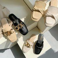 Закрытые сандалии на половину тапочки для женщин летние мода открытый корейский повседневный квадратный плоский дно ленивый