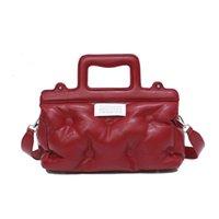 Luxurys Designers Crossbody Bags cotton pillow cross single shoulder large portable space women's ba P Zhouzhoubao123 bucket bag