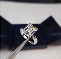 Moda-2020 Serie de primavera temprana Anillo de diamante único S925 Plateado Plateado 18K Oro Emeralda Corte Joyería de moda para mujer