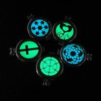 Paslanmaz Çelik Uçucu Yağ Difüzör Kolye Karanlıkta Glow Aromaterapi Madalyon Kolye Gümüş Zincir Kadınlar Için Moda 120 L2