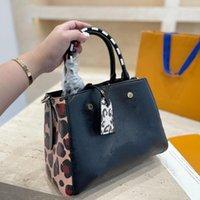 Montaigne Leopard Gemped Totes Borse Donne Designer Designer Classic Lady Borsa a tracolla Borsa a spalla Ragazze Crossbody Shopping Bag