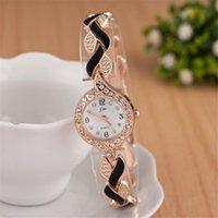 Relojes de pulsera Damas creativas de moda Tendencia de la hoja Pulsera de cuarzo Reloj de pulsera Mujeres