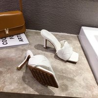 Yeni Marka Tasarım Ayakkabı Kadın Terler 2020 Yaz Kare Toe Yüksek Topuklu Sandalet Kadınlar Örgü Kaliteli Elbise Ayakkabı GFR5SGNRMG