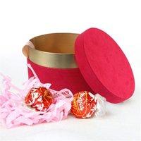 1ピークリエイティブパーティーキャンディーボックスユニークな結婚式のラウンドラッピングギフト(赤)のための留め具