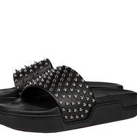 2021 Neue Hausschuhe Männliche Nietschuhe Rote Sohle Füße Luxus Sandalen Weibliche Designer Flache Hausschuhe Schwimmbad Fun Paris Sommer Strand Schuhe