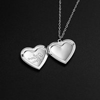 Pendant Necklaces Unique Silver Color Po Frame Necklace Carved Designs Heart-shaped Openable Locket Family Jewelry Gift