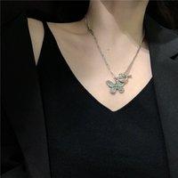 Super fee mädchen koreanische titanium stahl schmetterling halskette frauen clavicle kette niche design ot kette ins Ins Schmetterling Anhänger