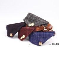 NewPlaid Triangle Puppy Collares para perros pequeños Cuello de cuero de perrito ajustable Cuello lindo Plaid Bandana con decoración de botones Regalos de collar de perro EWF553