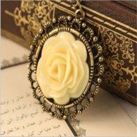 Collana pendente collana vintage di alta qualità collana fatta a mano catena di moda rosa ciondolo gioielli con pendente rosa PS0751