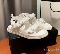 Multi couleurs Blanc Blanc Blanc Stick Colf en cuir de mollet Sandales de marque Femmes de luxe Sandales Fashion Channel Chaussures Taille 34-40 2021