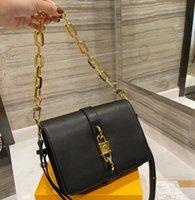 2021 Yeni Tasarımcı Rendez Vous Omuz Çantaları Moda Çapraz Vücut Kadınlar Hotsale Çanta Klasik Kalın Zincir Kilidi Lette Çanta