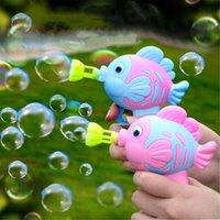 1 unid Pescado lindo jabón agua burbuja pistola burbuja soplador máquina juguete para niños niños manual de armas soplador