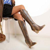 2020 Новая осень зима коровы мальчик из кожи колена высокая сапоги женские туфли удивлять модную цепочку толстые пятки каблуки на молнии большой размер 34-48 10см1