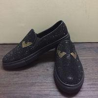 Nuevo lujo de cuero genuino para hombres zapatillas superestrellas Casual Top Top Rivets Hombres Mocasines Redondo Toe Plano Vestido de novia Zapatos Tamaño 38-45