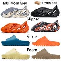 2021 Corredor de espuma Kanye Clog Oeste Sandalia Negro Slide Fashion Slipper Mujeres Mens Tiantes Bone Designer Sandalias de playa Solk-On Shoes # 252 H8LP #