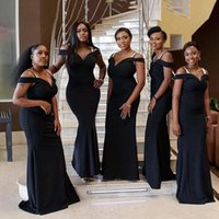 Black Bridesmaid Dresses Straps Off the Shoulder Sheath Sleeveless Floor Length Pleats Custom Made Maid of Honor Gown Plus Size Country Wedding vestidos