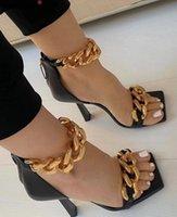 Black Square Noye Sandals Женщины Уникальные тонкие высокие каблуки на молнии открытые пальцы металлические цепи декор Взлетно-посадочная полоса сандалии большой плюс Szie 43