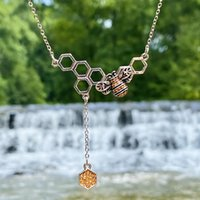 Presente Hollow Mel Pente Bee Hive Colar Bonito Moneycomb Colméia Geométrica Hexágono Pingente Charm Chain Lover Lucky Jewelry