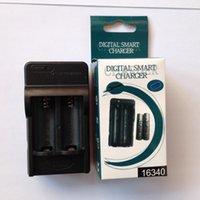 Ladegeräte 16340 CR123A Praktisches Wiederaufladbare Li-Ionen-Batterie-Wandladegerät für LED-Taschenlampe doppelte Ladung und stoppt automatisch, wenn voll