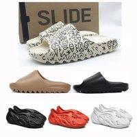 2021 Rahat Sandalet Ayakkabı Serin Yaz Çöl Kum Köpük Koşucu Toprak Kahverengi Reçine Kurum Erkekler Kadınlar Slayt Üçlü Siyah Kırmızı Ararat Delik Terlik