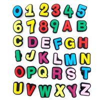36pcs / set PVC Capital Inglese Lettere Lettere di scarpe Charms Accessori 26letters + 10 numeri Zoccoli Decorazione Jibbitz Party Bambino Regali per bambini