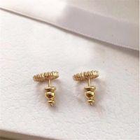 Avec Box Fashion Brand, les timbres Stumps Perl Designer Boucles d'oreilles Lady Women Party Mariage Amoureux de l'engagement cadeau Bijoux de luxe pour la mariée HB20