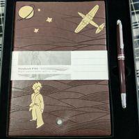Luxury Signature Pen Classic Brown Roller Ball Pennor harts Material Smooth Writing med matchande anteckningsbok och originallåda