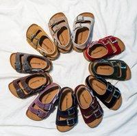 النعال الصنادل أطفال الفتيان فليب تتقلب الفلين الفتيات ساندليس الصيف شاطئ انعكاس النعال عارضة بارد أحذية الأزياء صندلاس الأحذية D5680
