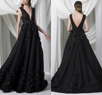 Black Satin A-Line Evening Dresses V Neck 3D Floral Appliuqes Floor Length Prom Dress Custom Made Beaded Formal Party Gowns